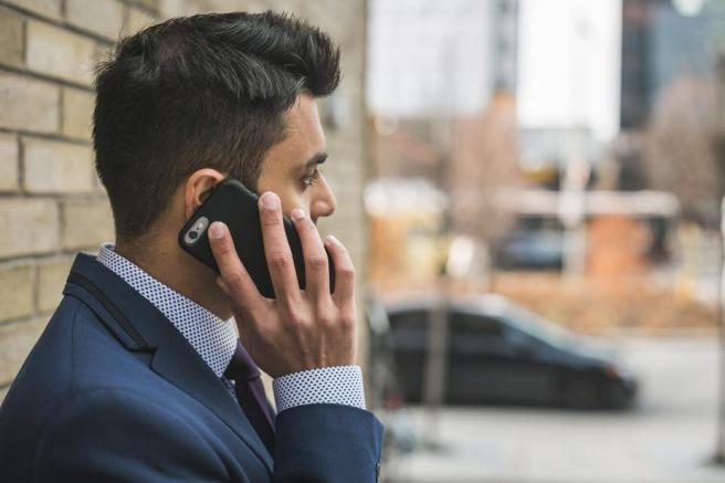 man-talking-on-cellphone_925x